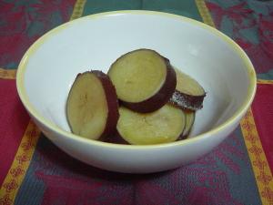 秋の味覚、さつまいものシンプル煮